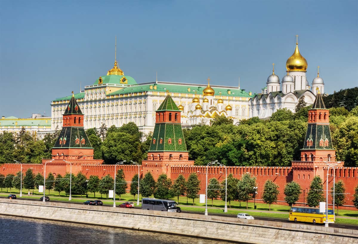 walls of the kremlin moscow tour